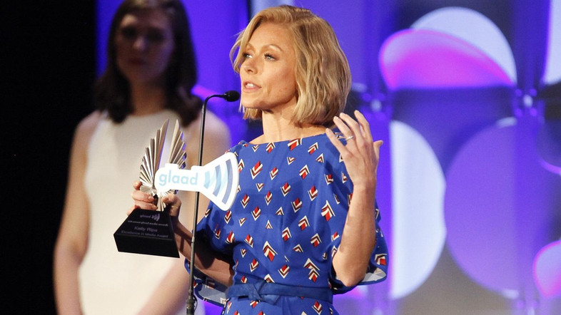 'Live!' host Ripa wins Daytime Emmy after storming off show
