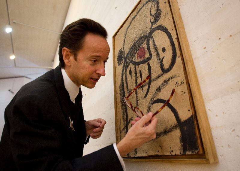 Grandson to auction Miro paintings to help refugees