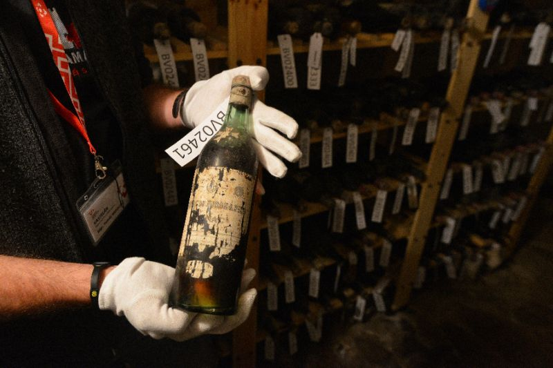 Secret 19th-century fine wine turns up at Czech castle