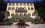 Contents of Versace's home sell for 7m pounds in London