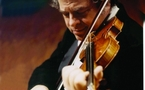 Violinist Perlman inspiring the next generation