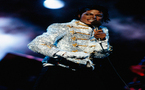 Jackson's glittery moonwalk glove to be auctioned