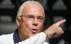 Beckenbauer offers help in rift between Bayern icons