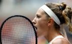 Azarenka shakes off jet-lag to beat Zvonareva in duel of ex-stars